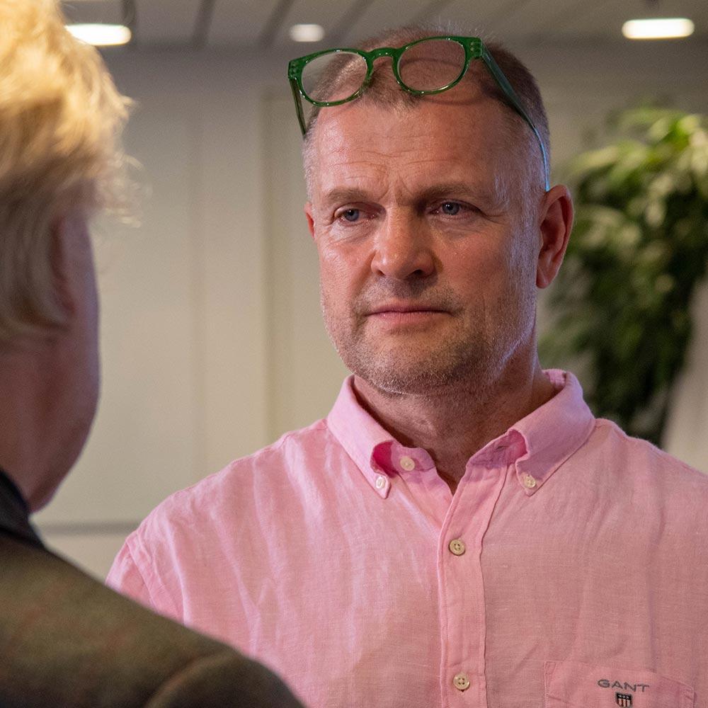 Arvo Kokkosen villikalaspesialisti Klaus Berglund kertoi luennolla mm. projektista, joka tähtää Itämeren pelastamiseen ja kalakantojen elpymiseen.