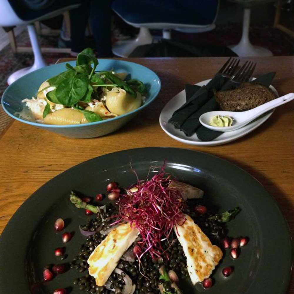 Tallinnan ravintolat Must Puudel
