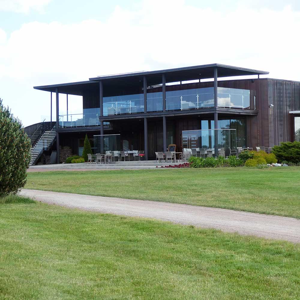 Niitvälja golf, seilaa golfmatkalle Viroon